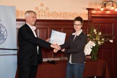 Ellen Sterk receives the AkzoNobel Graduation Prize for Chemistry and Process Technology (Photo: Hilde de Wolf)